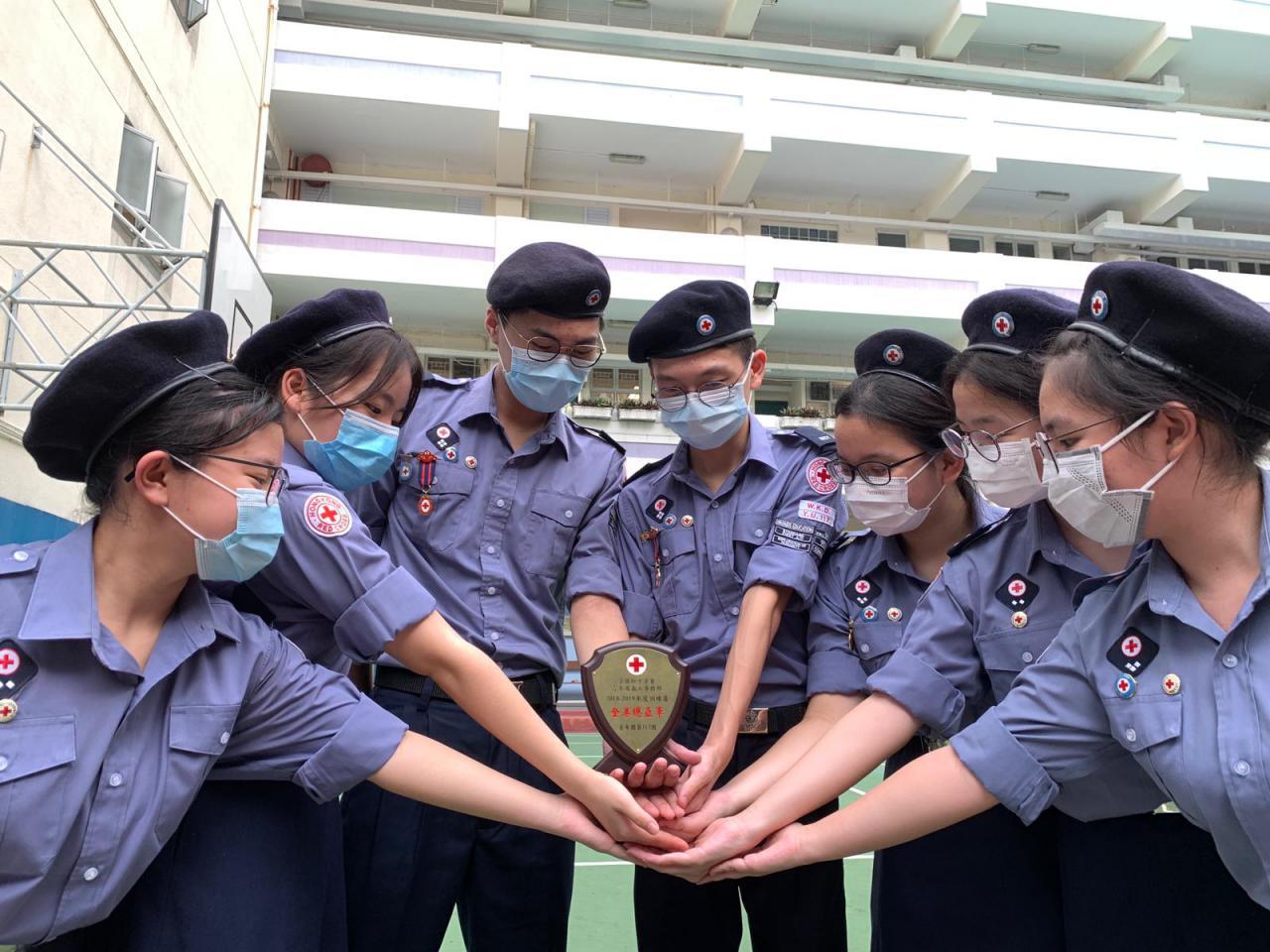 我校YU117紅十字會青年團榮獲訓練盾全港總亞軍及西九龍區訓練盾亞軍
